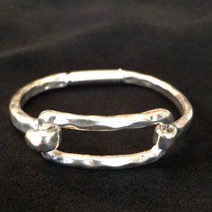 Silver bangle clasp bracelet